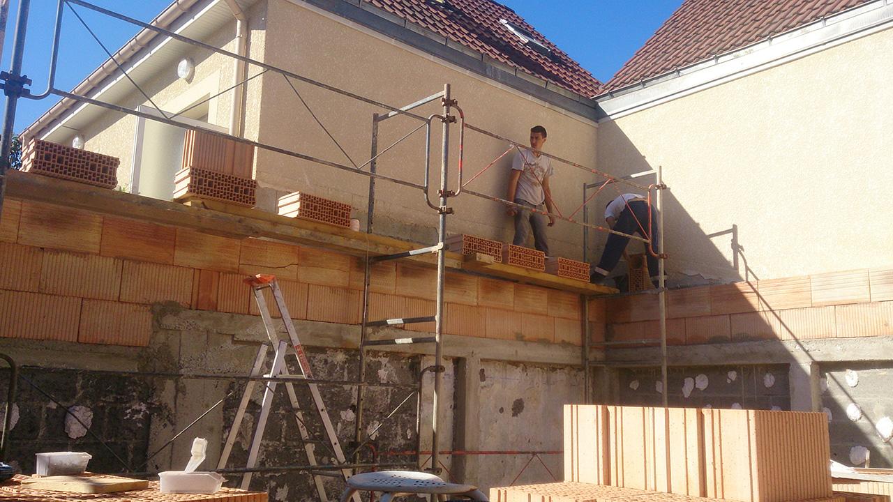 Faire construire sa maison avec l 39 entreprise marchis 15 for Entreprise agrandissement maison 95